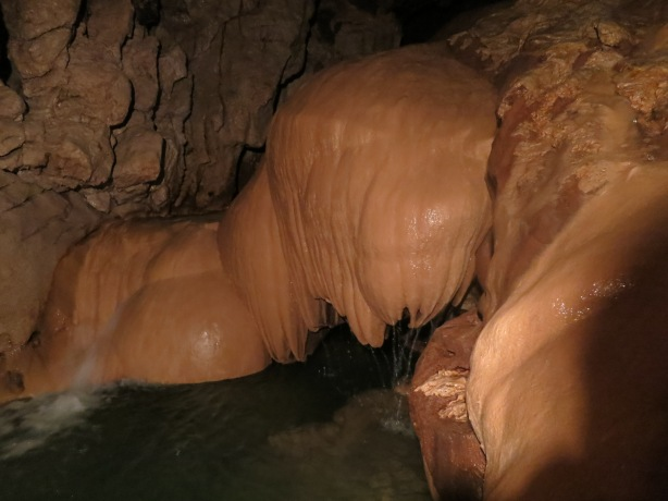 Sumaging Cave Formations